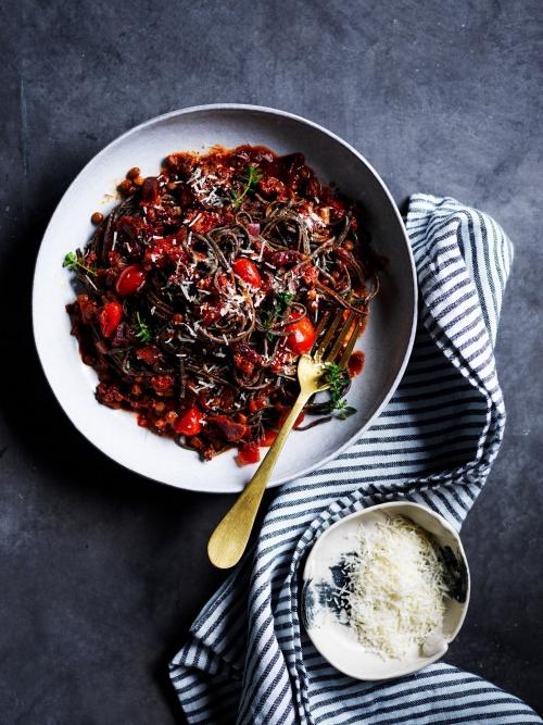 black bean spaghetti bolognese